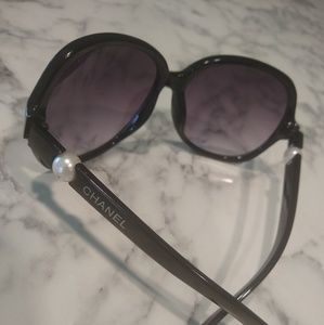 *CHANEL Sunglasses